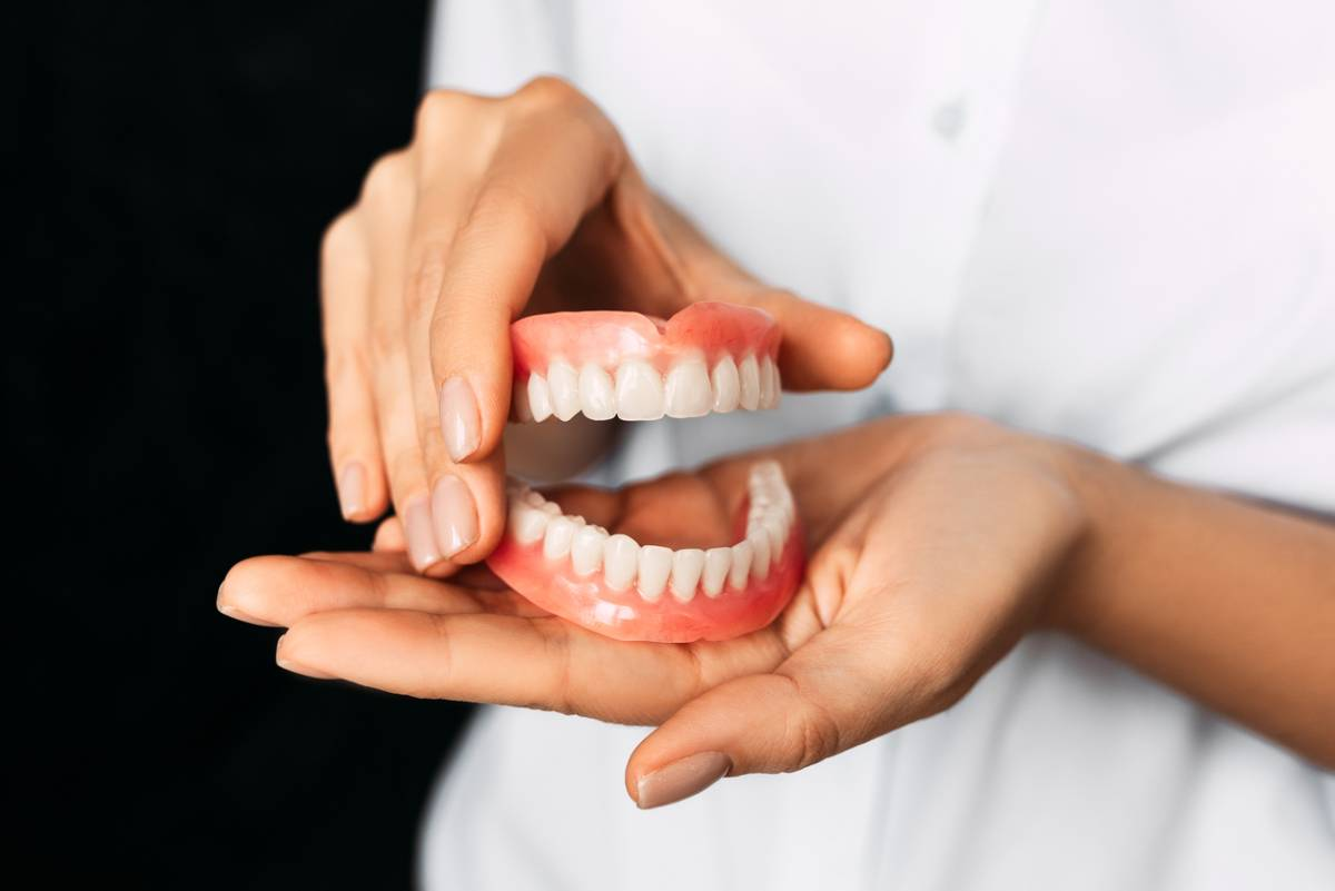 Signs your dentures need repairs